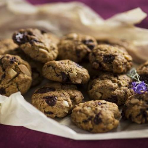 Galletas de nueces y almendras con chocolate