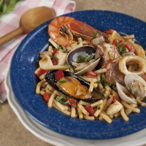 Receta de fideuá de marisco y carne