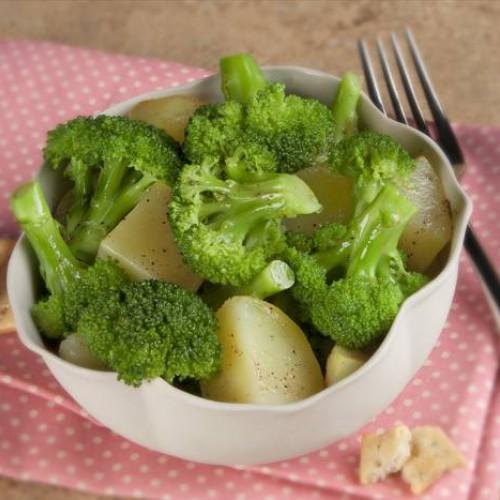 Receta de brócoli con patata cocida
