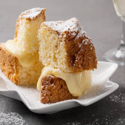 Bizcocho con crema pastelera de vainilla