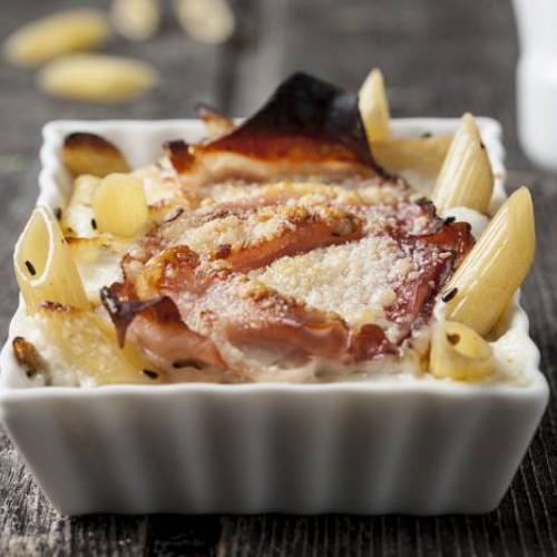 Macarrones gratinados con bacon
