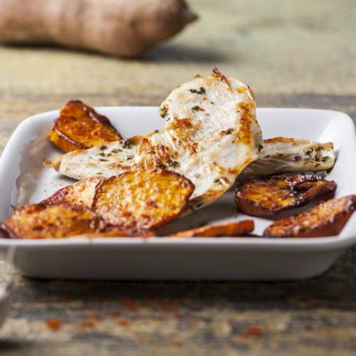 Receta de pechuga de pollo con chips de patata dulce