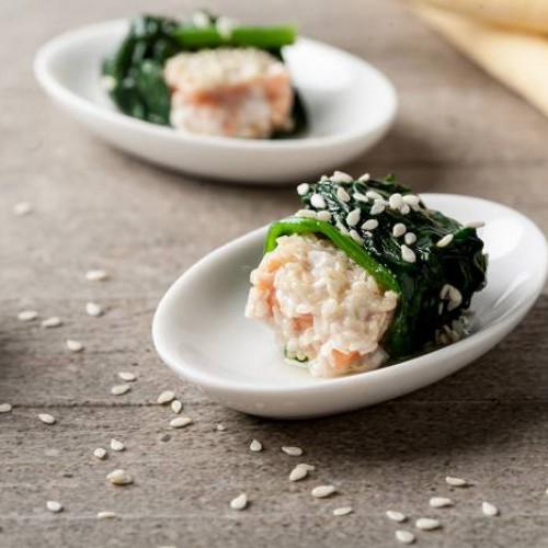 Envueltos de salmón y espinacas