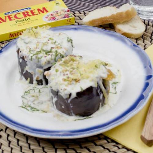 Berenjenas rellenas de salsa de yogurt