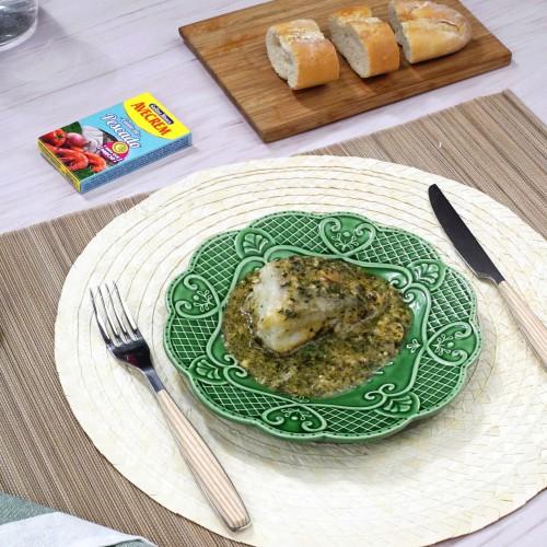 Bodegon con producto bacalao en salsa verde