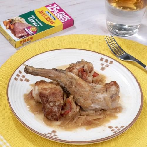 Conejo guisado con patatas bodegon con producto