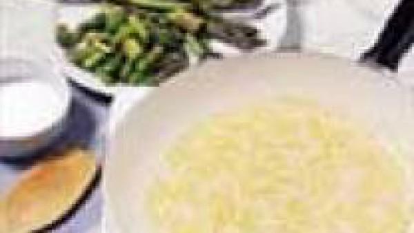 Segundo paso crema de patatas y esparragos