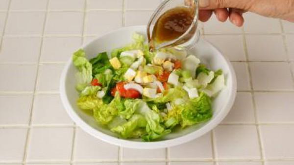 Cómo preparar Ensalada de apio y tomate- Paso 2