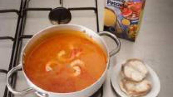 Sopa de marisco Paso 3