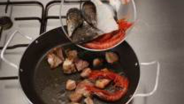 Primer paso paella mixta