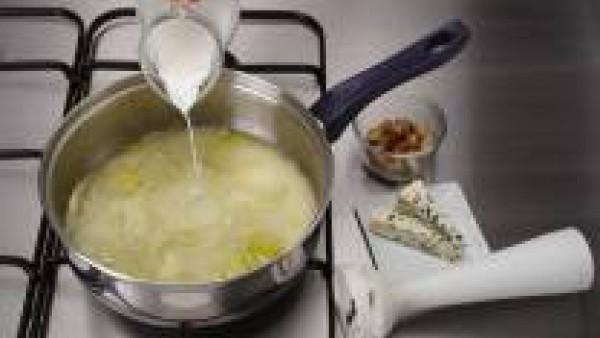 Tercer paso crema de calabacín al roquefort