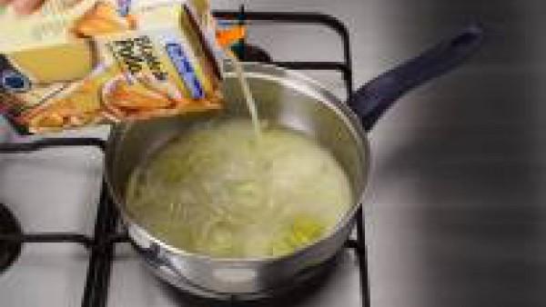 Segundo paso crema de calabacín al roquefort