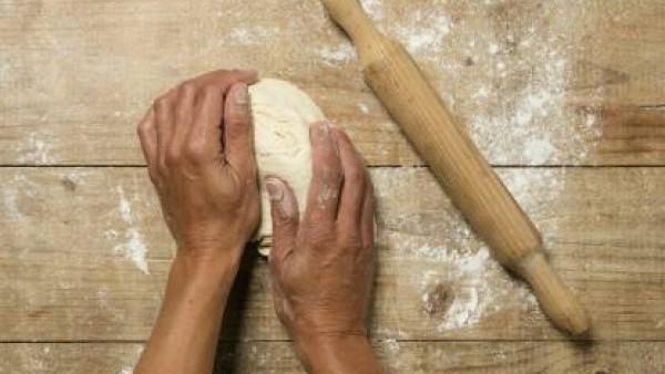 Cómo preparar Empanada de carne- paso 2
