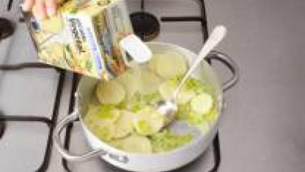 Primer paso sopa de berros y patatas