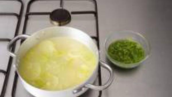 Segundo paso sopa de berros y patata