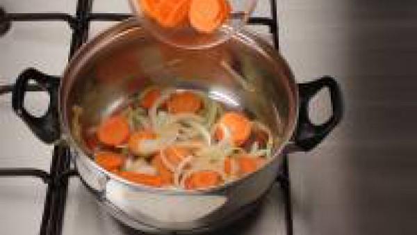 Primer paso sopa fria de zanahorias y naranjas