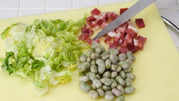 Cómo preparar Cazuela de habas con jamón-Paso 1