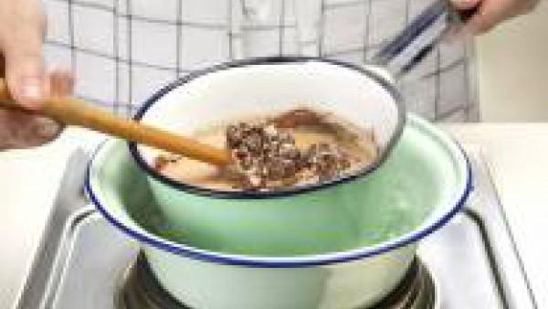 Prepara la salsa de trufa