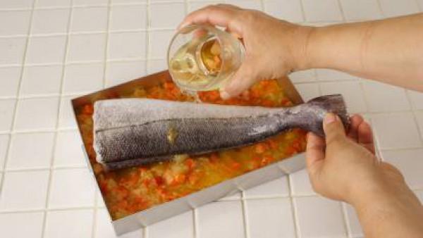 Cómo preparar Merluza al horno con verduras -Paso 2