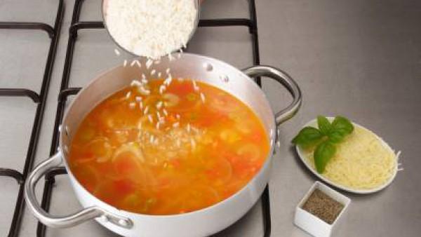 Segundo paso sopa de tomate y arroz