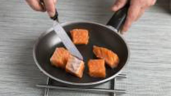 Cómo preparar un risotto al salmón - paso 1