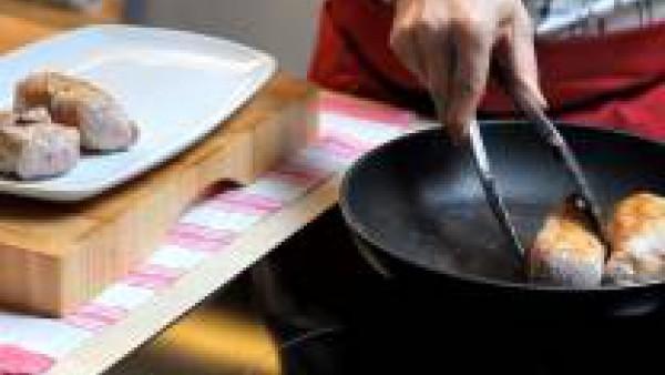 Como preparar Solomillo de cerdo hojaldrado - Paso 2
