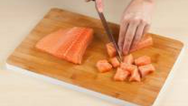 corta el salmón