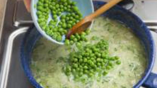 Cómo hacer filete de merluza en salsa verde - paso 2