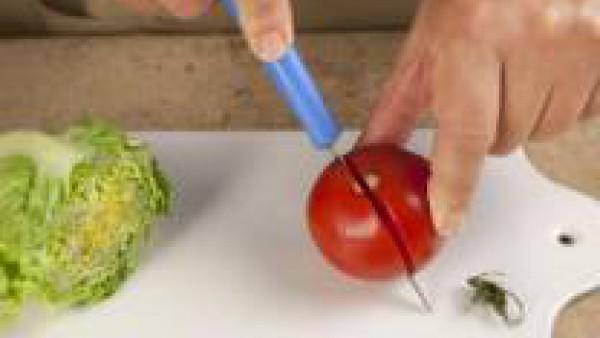 Cómo preparar Ensalada veraniega de garbanzos- Paso 2