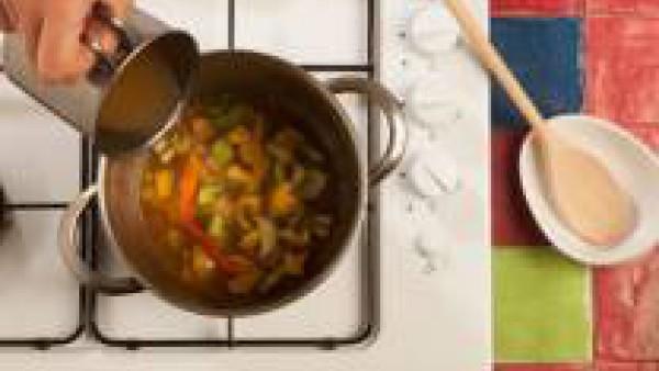Tercer paso sopa de pescado con verduras