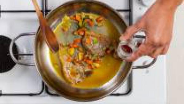 Cómo preparar Chuletas de cordero con azafrán - paso 3