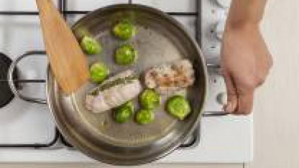Cómo preparar Rollitos de conejo con coles de Bruselas- Paso 2