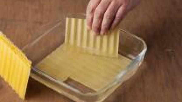 Cómo preparar lasaña fácil de bacalao con pisto de verduras - paso 1