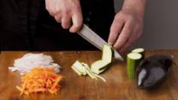 Cómo preparar Lasaña fácil con espinacas, verduras y salsa pesto- Paso 1