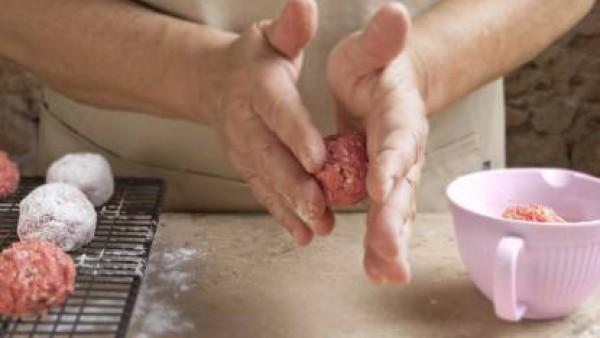 Cómo preparar Albóndigas de carne– paso 2