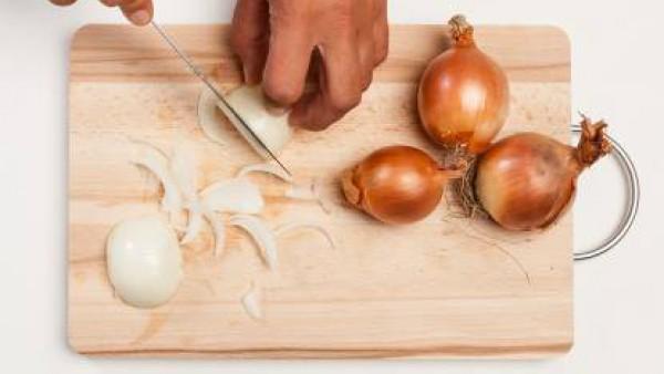 Cómo preparar Montadito de cebolla gratinada - paso 1
