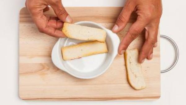 Cómo preparar Montadito de cebolla gratinada - paso 3