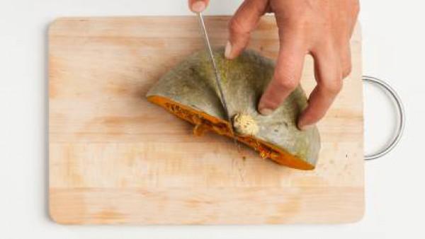 Cómo preparar Crema de calabaza, zanahoria y cardamomo - Paso 1