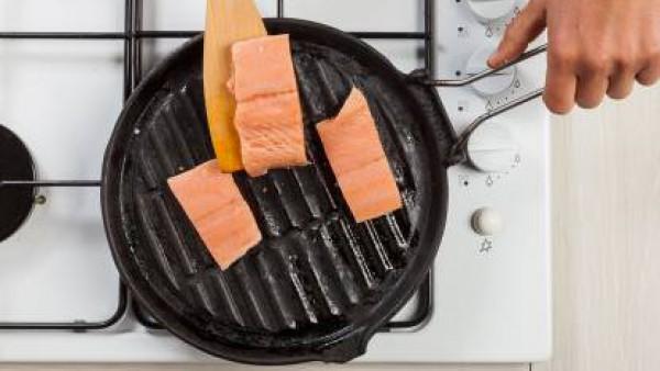 Segundo paso salmon con crema de garbanzos y patatas
