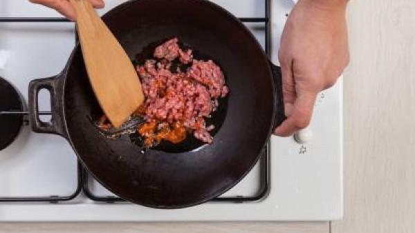 Rollitos de achicoria y carne