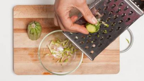Cómo preparar Albóndigas de calabacín y tomate- Paso 1