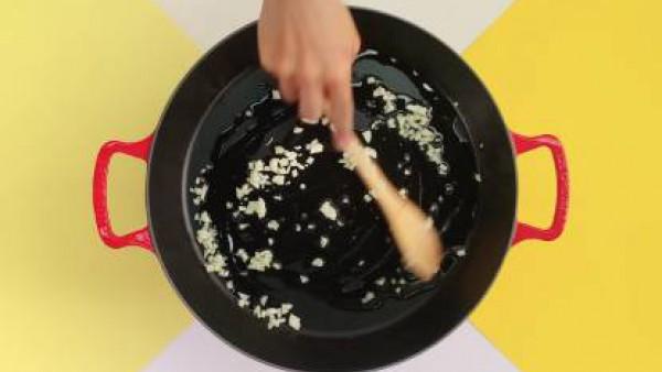 Cómo preparar Paella de marisco– paso 1