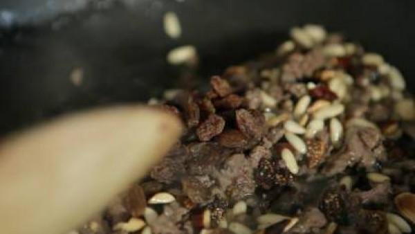 Cómo preparar Picantones rellenos de frutos secos - Paso 2