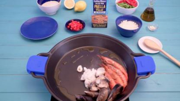 Cómo hacer paella de marisco - paso 1