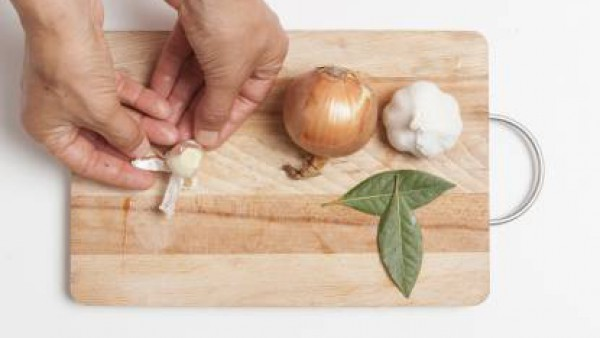 Cómo preparar Gazpacho manchego- Paso 1
