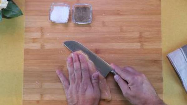 Cómo preparar Pollo relleno de parmesano en salsa de tomate- Paso 1