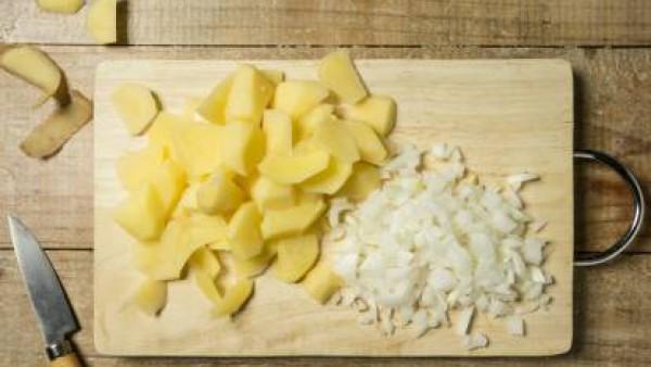 Cómo preparar Tortilla de patatas – paso 1