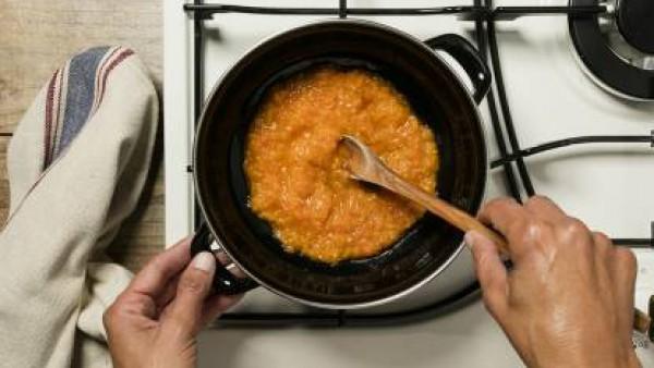 Cómo preparar Potaje de garbanzos con bacalao- paso 2