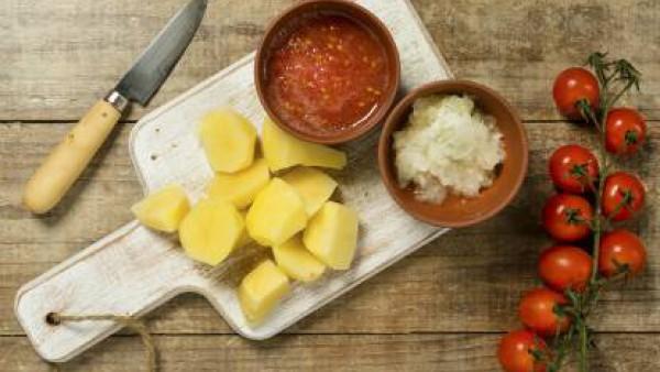 Cómo preparar Sepia con patatas - paso 1
