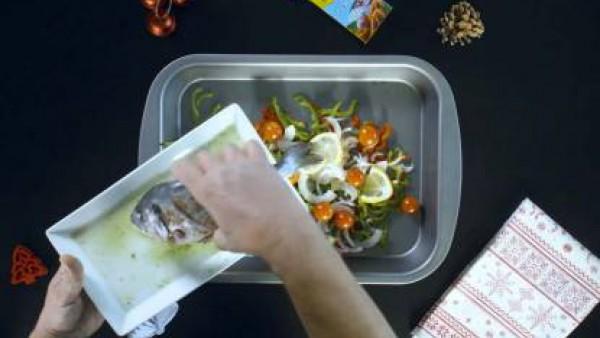 Cómo preparar Dorada al horno con verduras - Paso 4